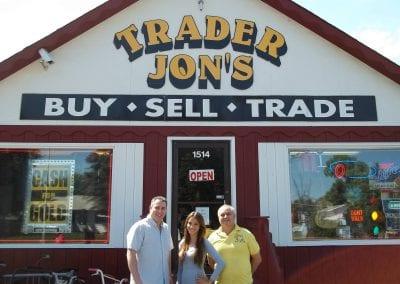 Trader-Jons-Friends-Round-Lake-Beach-Pawn