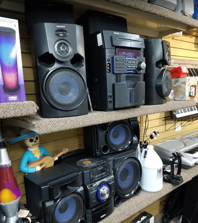 Bookshelf-Stereo-System-Keyboards-Music-DJ-Fog-Juice
